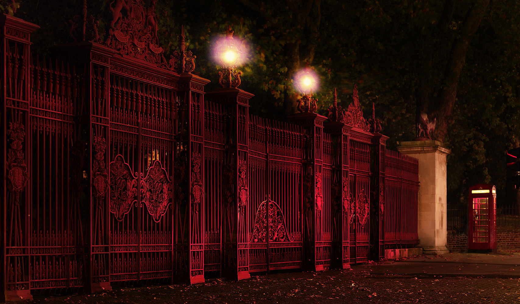 Hyde-Park-Queens-Gate#painting-#photography#fineart#popart-#peterwesth-Peter Westh-@peterwesth