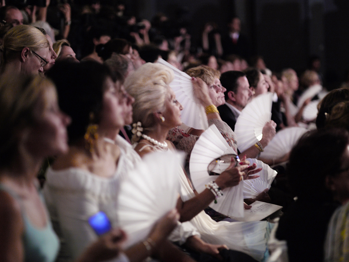 #peterwesth-Peter Westh-@peterwesth-fineart-poppy-photography-Audience-Christian-Lacroix-fashion
